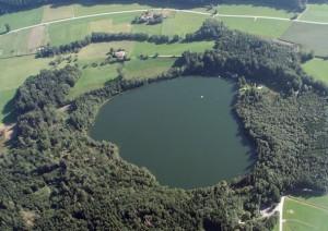 Luftbild Tüttensee-Krater bei Grabenstätt Chiemgau-Impakt Bayern